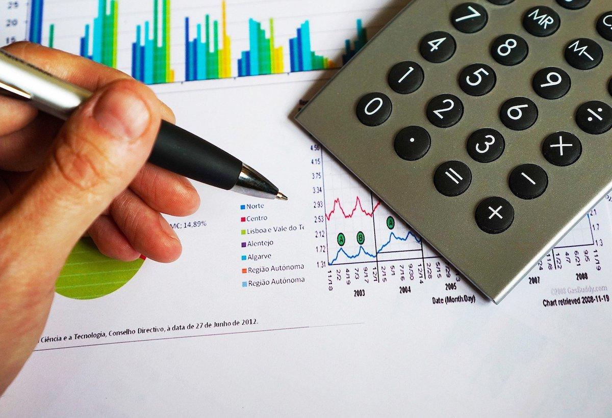役員報酬を日割りで支給できるか|退任や役職変更時の対応の画像1